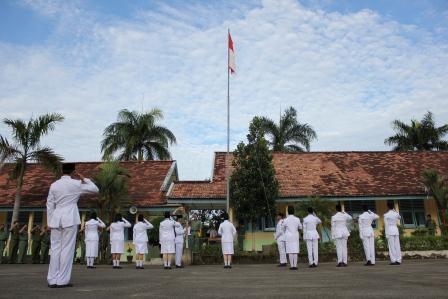 Bupati Lahat, Inspektur Upacara Bendera di SMA Negeri 4 Lahat
