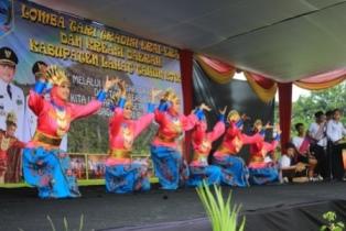 Tim Kesenian SMA Negeri 4 Lahat di Ajang Festival Tari Erai-Erai dan Kreasi Kabupaten Lahat