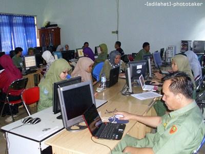 Pelatihan Pembuatan E-Learning di SMA Negeri 4 Lahat