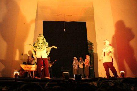 Pagelaran Teater SMA Negeri 4 Lahat dan Monolog Rebana Berjalan Sukses