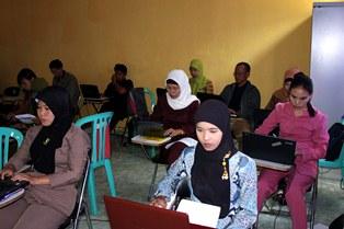 Pelatihan Program Paket Aplikasi Sekolah (PAS) di SMA Negeri 4 Lahat